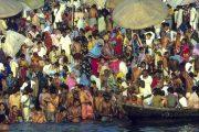 Baden in de Ganges in Varanasi
