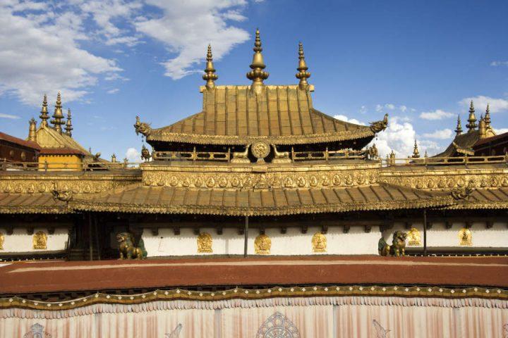 Dak van het Jokhang klooster in Lhasa