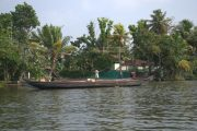 Boten in de backwaters in Kerala