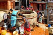 Nepal Bhaktapur Water halen