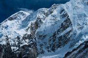 Nepal - Everest - besneeuwde bergtoppen Gorak Shep en EBC