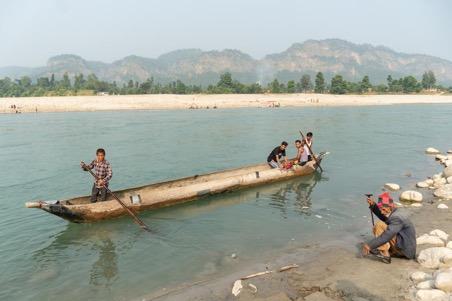 Karnali Bheri rivier boot over rivier